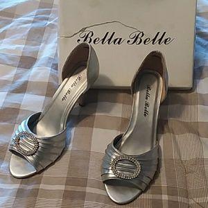 Shoes - Bella Belle silver pumps